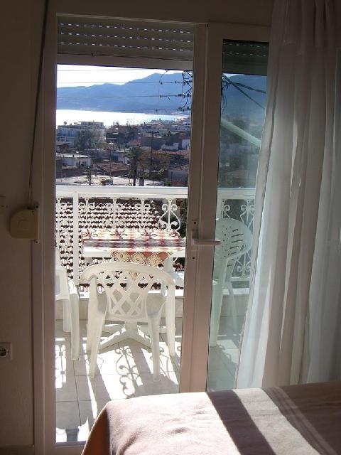 Panorama Apartmanház - Sarti***