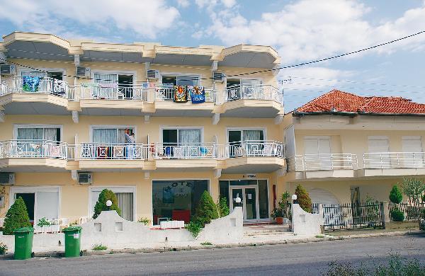 Zeus Apartmanház